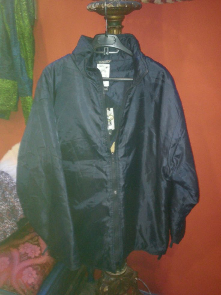 "casaco de neve via Baú das Marias   ""Vintage Store"". Click on the image to see more!"