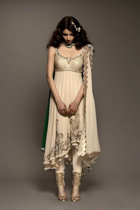 Asian Wedding Ideas - A UK Asian Wedding Blog: Lust Worthy Designer Wear ~ Kisneel By Pam Mehta {part 1}