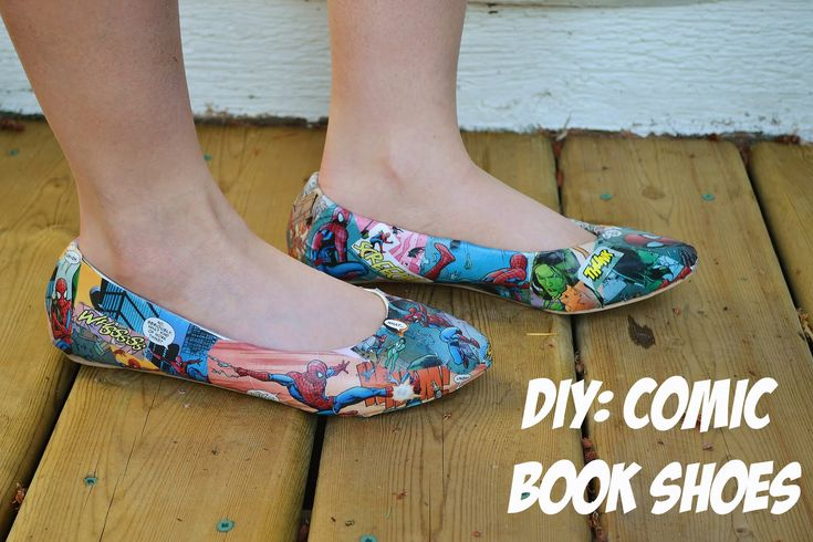 ♡ diy comic book shoes  Recycle those comic books! Can also use magazines, newspaper etc.