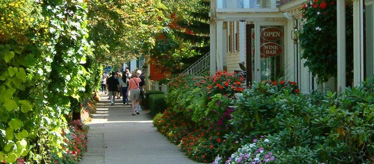 Niagara on the Lake - a great spot to spend a weekend
