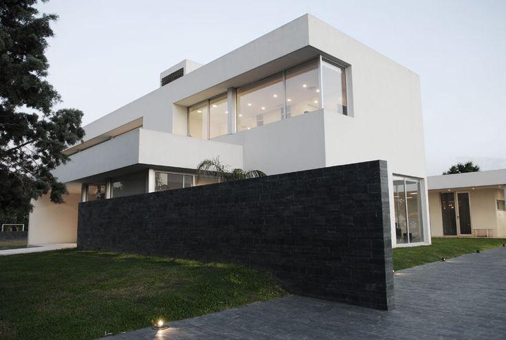 Pilar House http://bit.ly/11BT6Wh  #Arquitectura #Architecture #Design #Disenio
