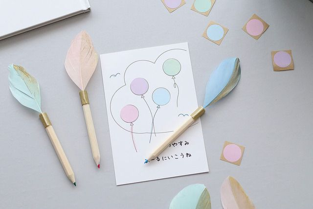 あそび育テープを巻くだけ憧れ羽ペン風色鉛筆をDIY