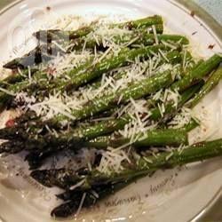 Grüner Spargel gebraten mit Parmesan @ de.allrecipes.com