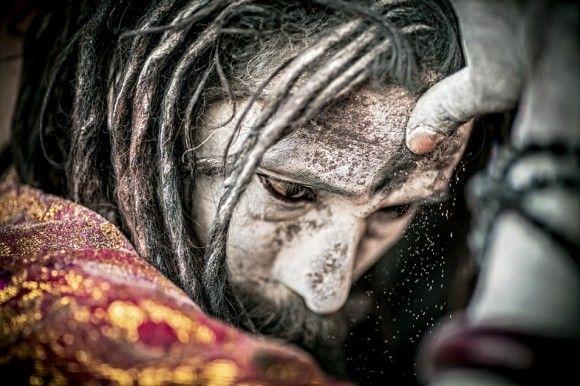 インド、ワーラーナシーの食肉聖人、アゴーリの僧侶たち