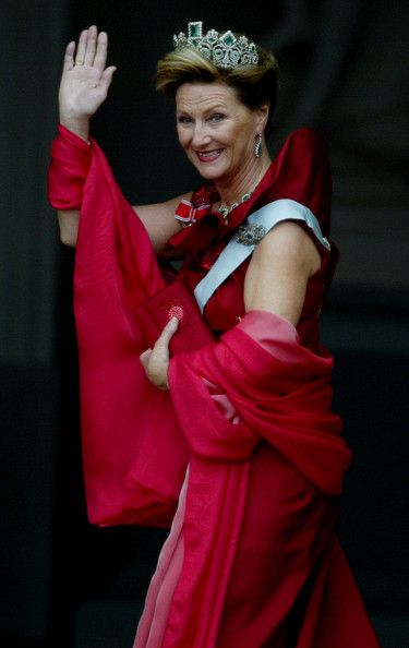 Queen Sonja of Norway arrives at Amalienborg Palace prior to the royal wedding of Crown Prince Frederik and Mary Donaldson May 14, 2004 in C...