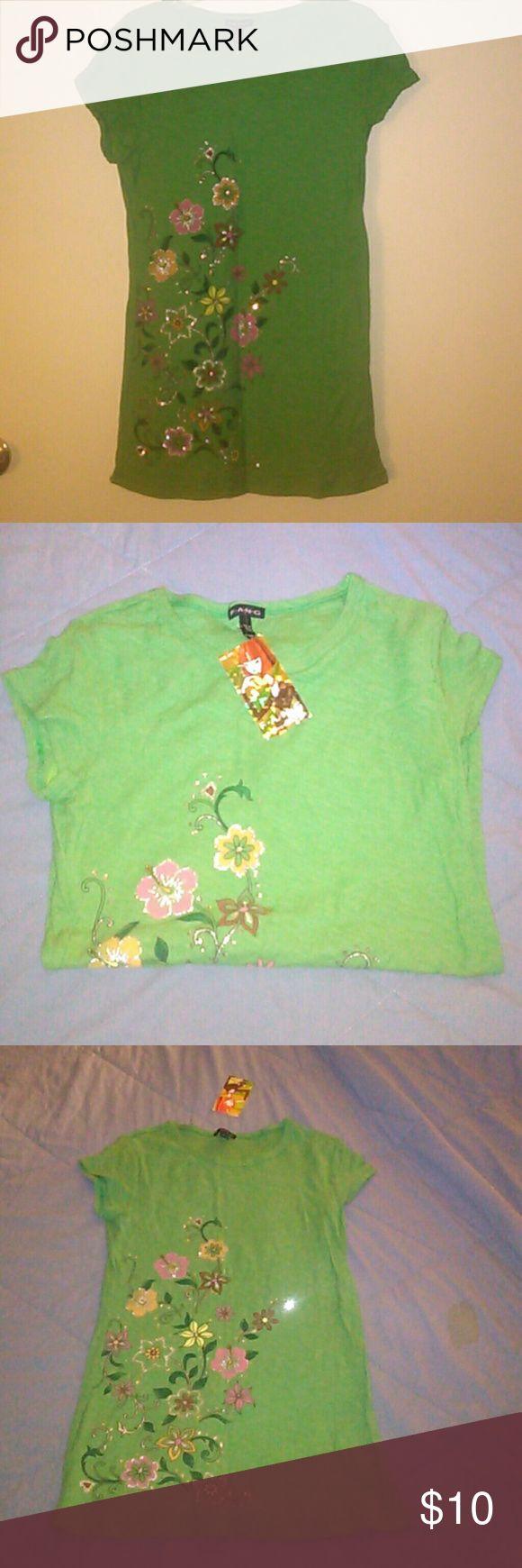 Women's green floral tee Women's green floral tee Tops Tees - Short Sleeve