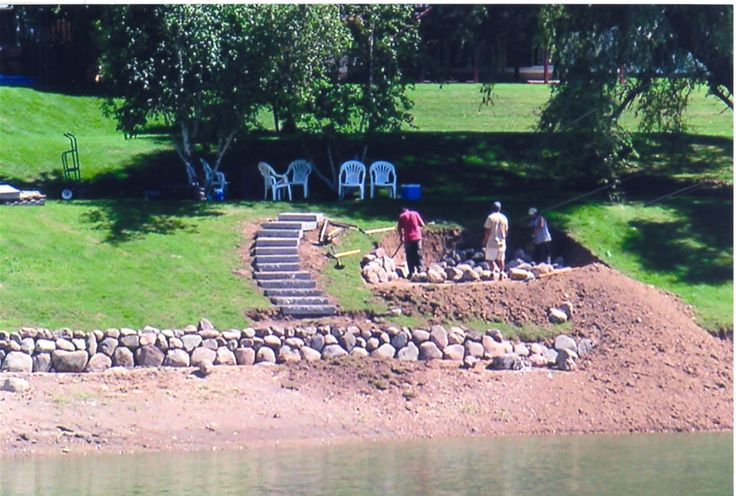 Lake House Landscaping Design Ideas   Waterfront Landscaping: Creating beachside patio