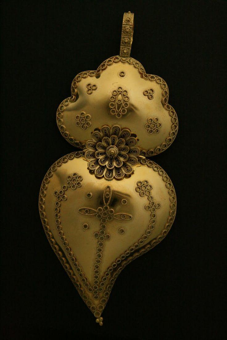 Viana do Castelo gold hearts (Portugal)