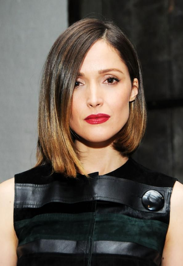Rose Byrne looked gorgeous while honoring Calvin Klein designer Francisco Costa.