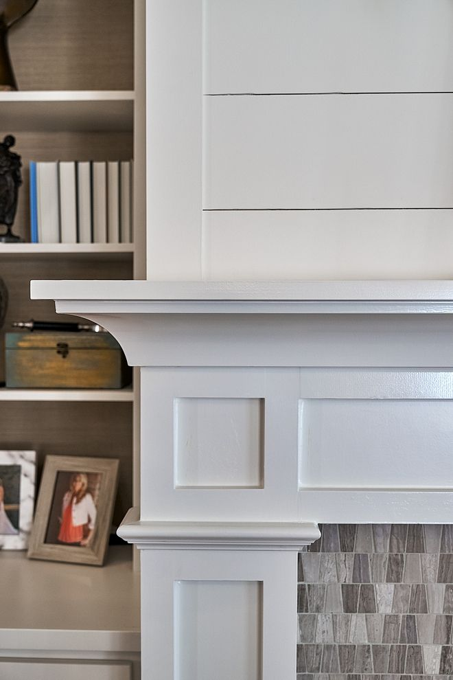 Fireplace Trim Close Up Of The White Crown Molding And White Shiplap Above The Fireplace G Lake House Interior Farmhouse Style Lighting Fixtures Fireplace Trim