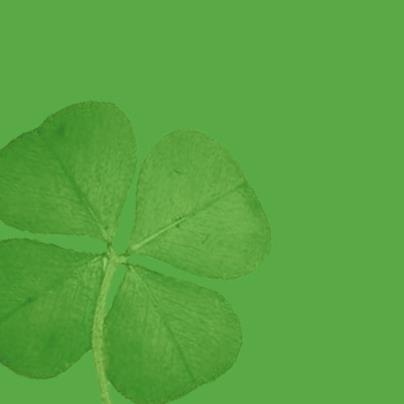 Şanslı Yeşil!   Batıda şans getirdiğine inanılan bu yeşil; umudu, talihi, ve dinçliği temsil eder.