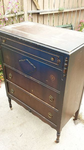 """Woah! When this Hometalker decided to give an old dresser a facelift, she went VINTAGE! Wait until you see how she """"mapped"""" it all out ;)"""