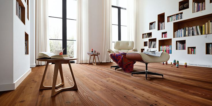 Entablonado de madera. Son listones anchos de madera que se colocan siguiendo la misma dirección. La madera brinda una gran calidez, pero requiere de muchos cuidados.