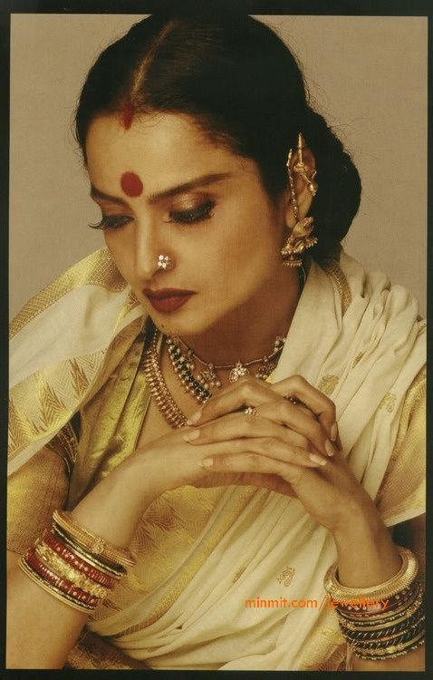 Perfetion is the name of Rekha. A vintage portrait of her in timeless gold jewels and a kanjeevaram sari. #Bridelan