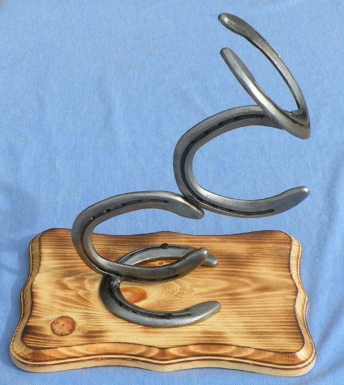 Western home decor hat rack made from used horseshoes for Where to buy horseshoes for crafts