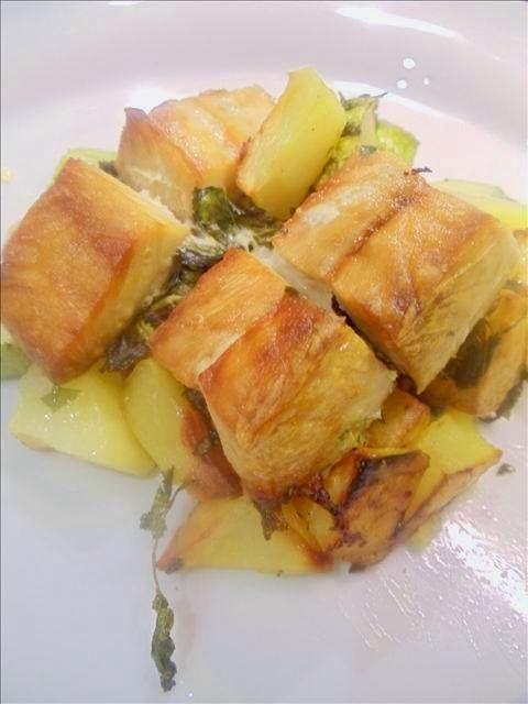 Hafif Mutfak: Fırında Sebzeli Somon Balığı