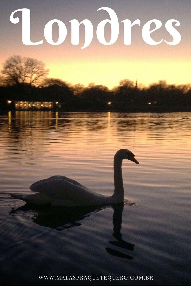 """Fim de tarde em Londres! Lá no canal você encontra dois vídeos super úteis para quem pretende visitar a capital inglesa:  - """"Um dia em LONDRES - 10 atrações em 10 horas!""""  - """"7 coisas que você precisa saber antes de visitar a Inglaterra"""" EN - Nice sunset at Hyde Park, London."""