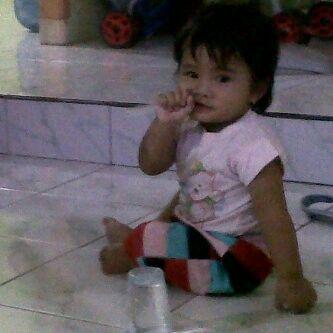 Azalea eating straw becose she still hungry.