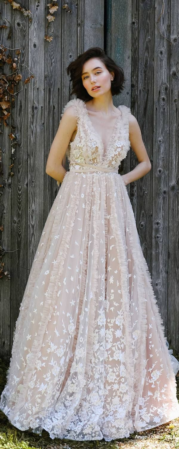 Lace hippie wedding dress   best Wedding gowns images on Pinterest  Wedding ideas Advent
