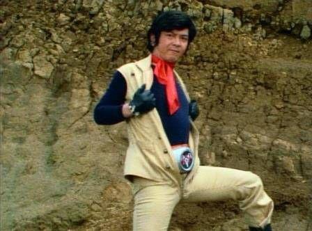 だいぶ滞っていた『仮面ライダー』レビューを再開することにした。 本話から2号ライダー編である。ショッカーを追って日本を離れた本郷猛に代わり、日本の守りについた仮面ライダー:一文字隼人とショッカーの激しい戦いの日々が始まる。 主役交代に伴い、オープニング映像も一新され、また...
