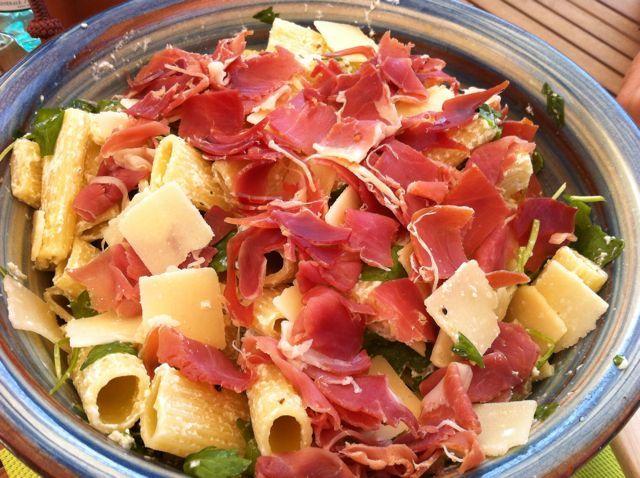 Salade de pates jambon roquette parmesan