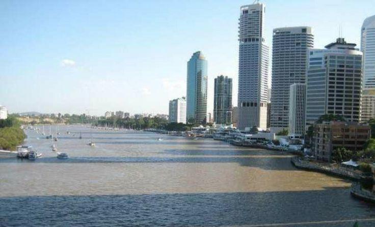 http://brisbane.olx.com.au/215-week-2-bedroom-apartment-in-34-32-macrossan-street-brisbane-4000-iid-478592499