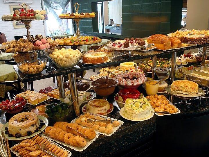 O café colonial é uma refeição típica das cidades brasileiras  de origem alemã  , como na maioria das cidades catarinenses e em algumas cida...
