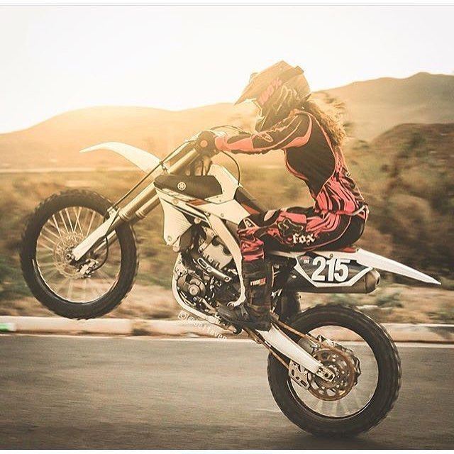 Real Motorcycle Women - bikerchicksofinsta (1)