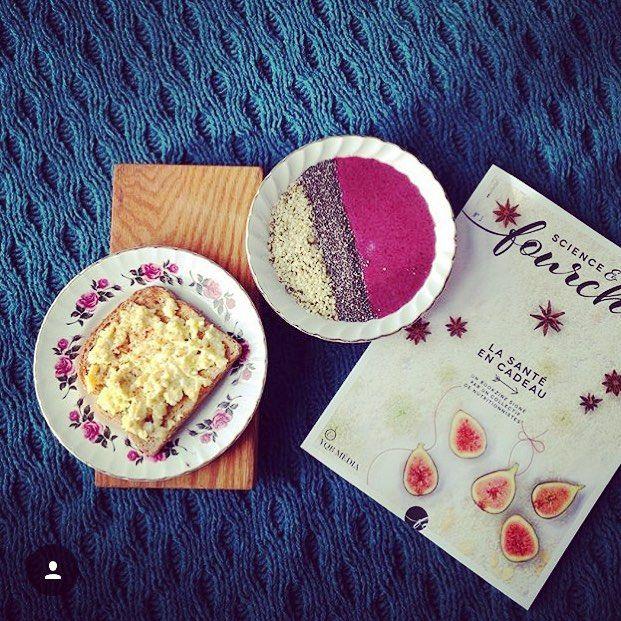Des délicieux déjeuners & plein de couleurs comme celui-ci on en prendrait chaque jour ! Merci aux filles de @ugiablog pour cette photo || Delicious & colourful breakfast like these: everyday please! Thanks to the girls of @ugiablog for this amazing picture  #StMethode #UGIABlog #Yupik #HealthyBread #MadeinQC #Boulangerie #Foodies #OnDejeune