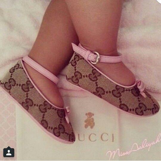 Nouvelles chaussures Gucci pour filles. P & P a eu cette #guette #quise #hatte #m …   – kids