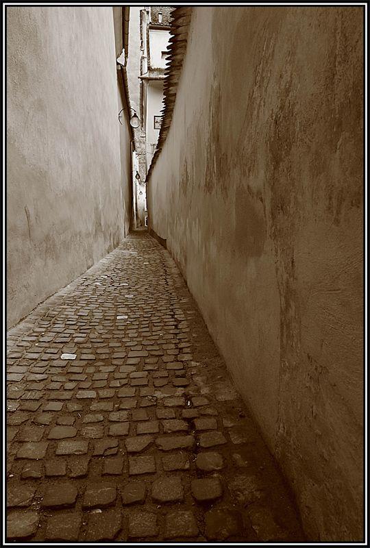 Strada sforii - Rope street, Brasov, Romania