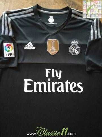 Official Adidas Real Madrid goalkeeper football shirt from the 2015/2016 season. Complete with La Liga patch on the sleeve and 2014 World Club Champions patch on the chest.