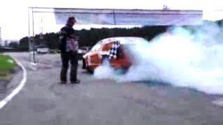 Burnout: 2012 Bridgestone Drag Race Cup http://www.youtube.com/watch?v=wM6WRiOlYyA