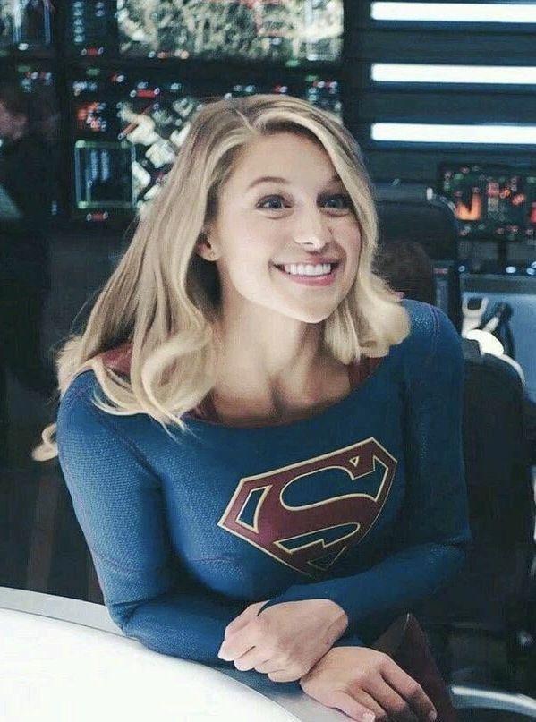 Pin Von Supergirl Auf Melissa Benoist Promis Melissa Marie Benoist Amerikanische Schauspieler