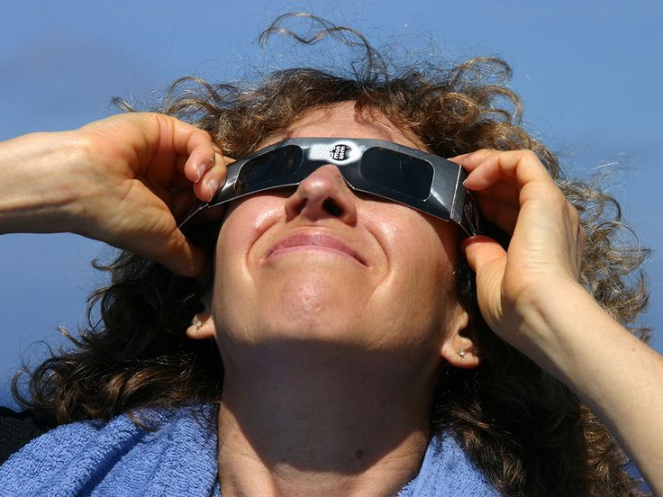 The American Astronomical Society explains how to test if your eclipse glasses are safe and which welding goggles are OK for solar viewing.