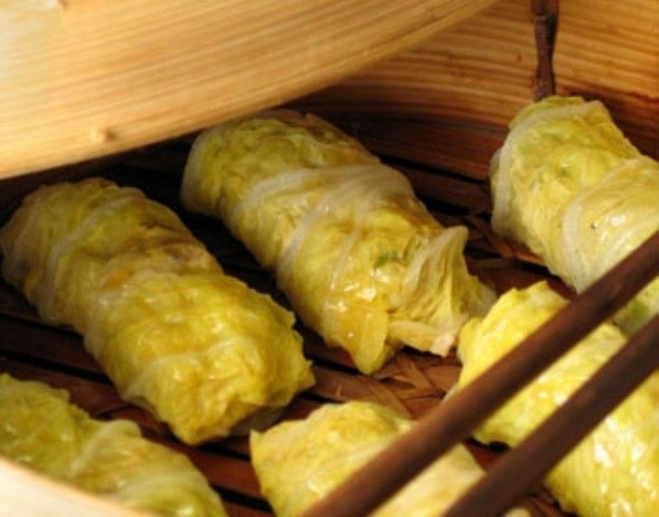 Chinese steamed pork and cabbage rolls
