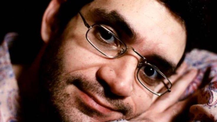 Morto há 20 anos, Renato Russo começou no teatro, revela biógrafo