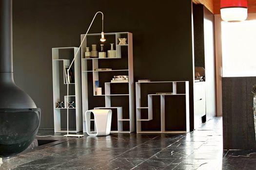 Lib_ris un'allusione al gioco del tetris, composizione creativa e tecnologica. an allusion to the tetris game, creative and technological composition