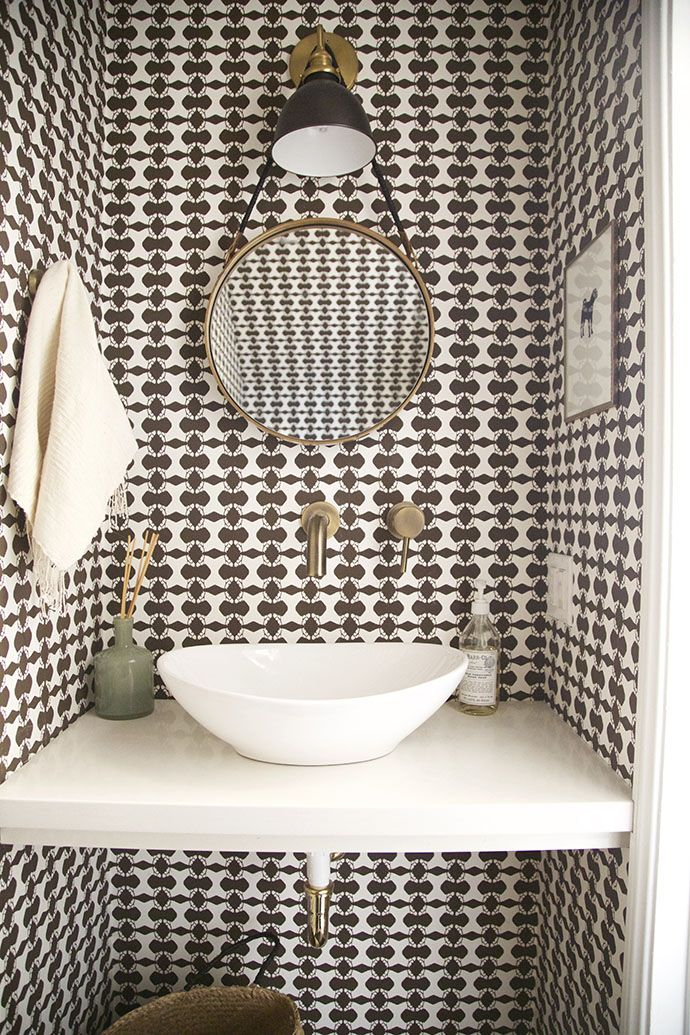Pic On Patterned bathroom wallpaper is making a strong eback With so many styles to choose from