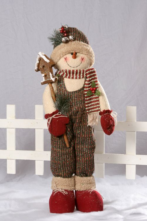 This could become a Texas Christmas snowman made out of straw.