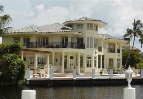 For luxury properties in Fort Lauderdale, Bay Colony, be sure to contact Luxury Real Estate Properties of Shai Mashiach at (954) 816 7070.