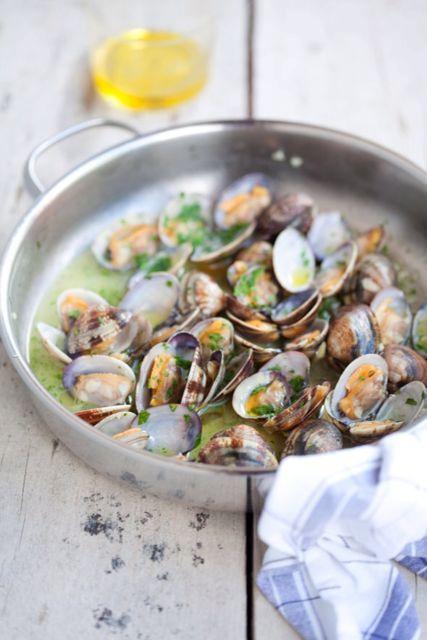 Clammy clam clam clams