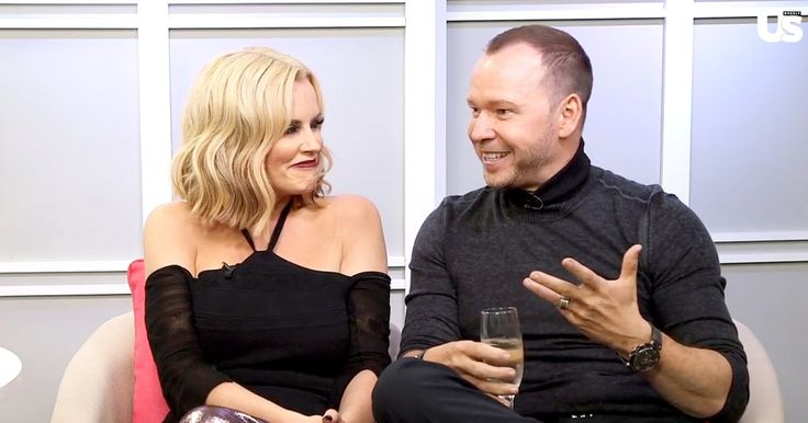 Donnie Wahlberg Calls Nkotb Shout-outs In it Movie A sweet Moment  #donnie