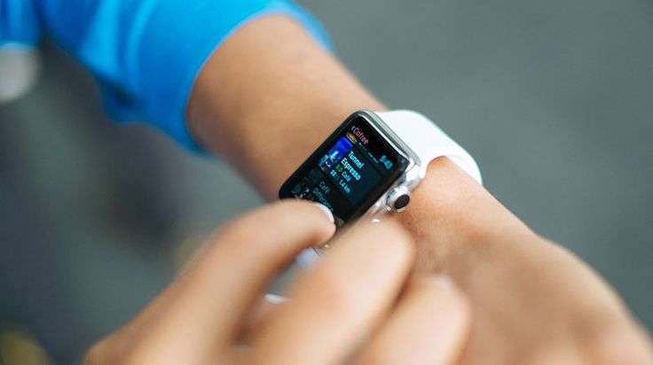 Apple Watch kommer förändra hur vi handlar i framtiden spår experterna. Men vilken påverkan har produkten egentligen på framtidens detaljhandel? Läs mer på: www.handelstrender.se. #mhandel #applewatch #detaljhandel #handelstrender