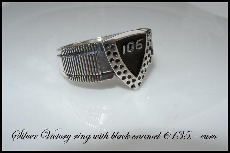 Silver Victory ring Black enamel