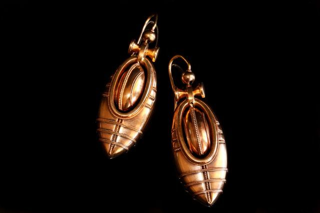Victorian gold drop earring