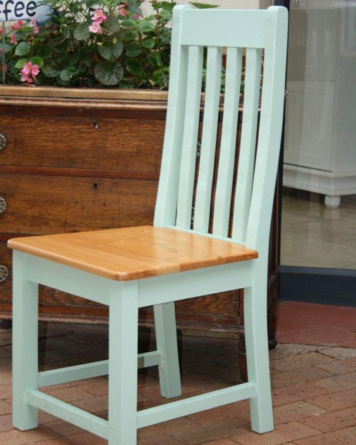 Elegant Chair with Cypress seat 1020mm high