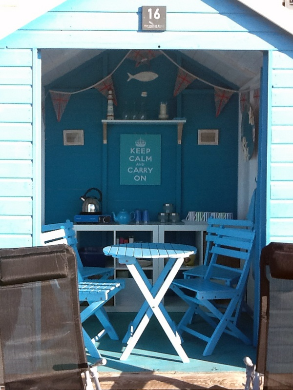57 best images about beach hut interiors on pinterest for Beach hut interior ideas