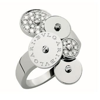 cicladi 18 kt white gold ring with pav diamonds on two of its rotating elements creating
