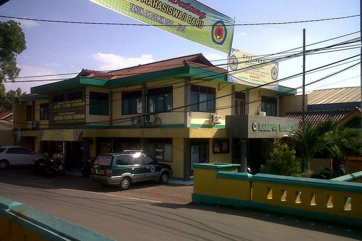 Kampus Yasmi Cirebon Jalan Tuparev, Kcamatan Kedawung, Kabupaten Cirebon, Jawa Barat, Indonesia. photo cp 19 Juli 2014